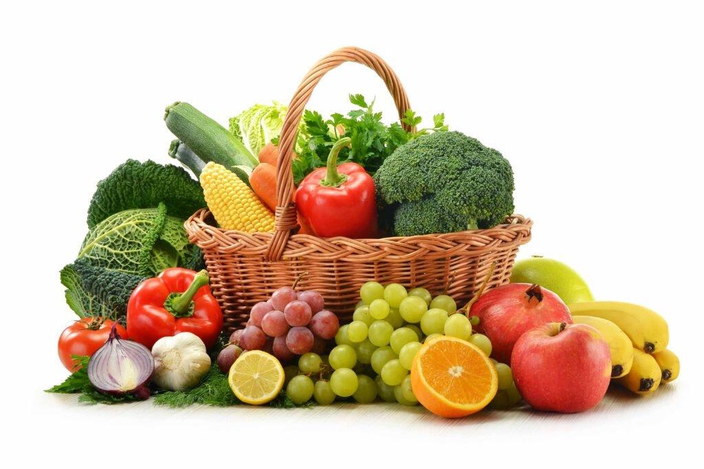 bổ sung các loại thực phẩm có nhiều chất xơ như khoai lang, rau củ quả có màu xanh, đỏ