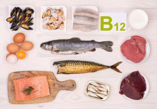 Vitamin B12 (cobalamin) là một loại vitamin thuộc nhóm B - Ảnh 1